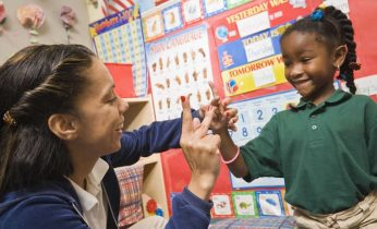 Students learn sign language