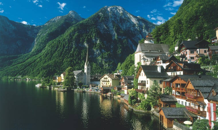 fairytale destinations Hallstatt